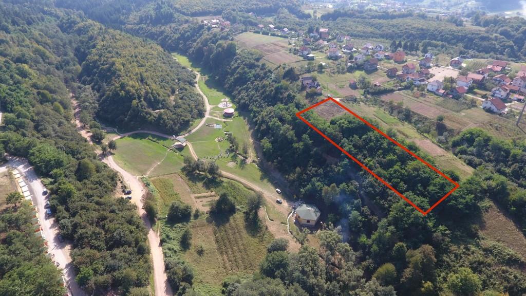 """Prodaje se zemljište u Visokom (tuneli """"Ravne 2"""")"""