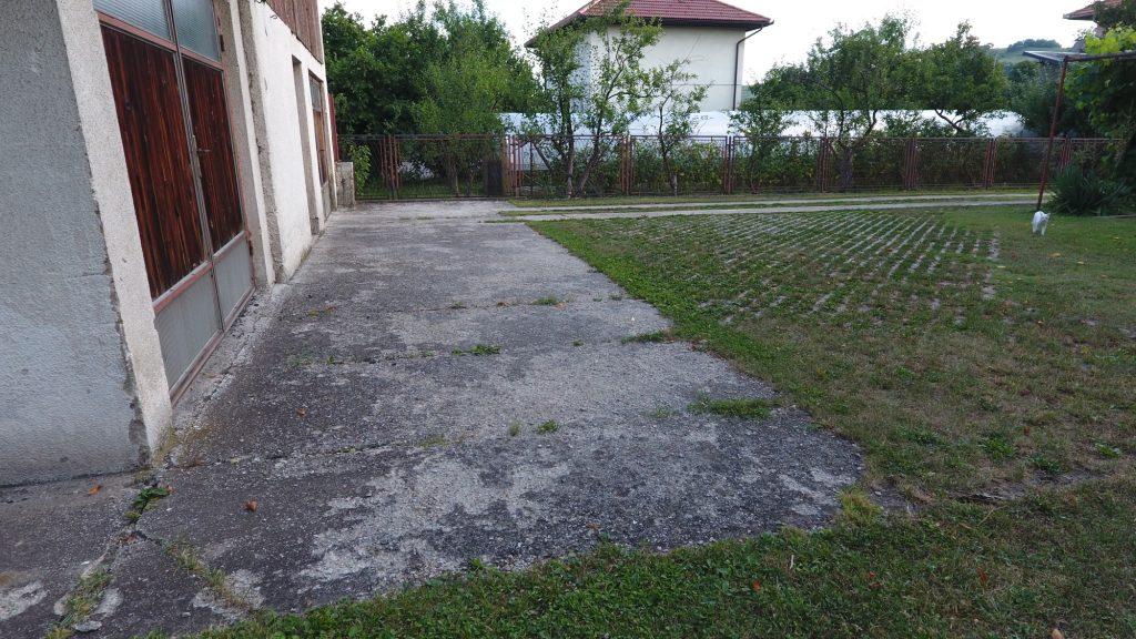 Prodaje se kuća sa zemljištem: BREZA -MAHALA