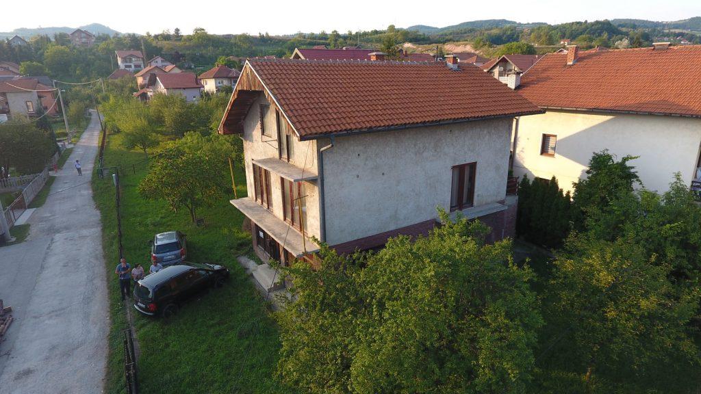 Prodaje se kuća sa okućnicom: BREZA – CENTAR